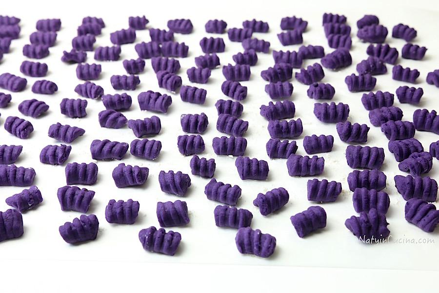 gnocchi di patate viola e radicchio trevigiano